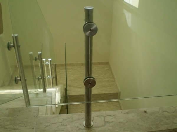 Guarda-corpo de Vidro com Torre na Ponte Rasa - Guarda-corpo de Vidro para Piscina
