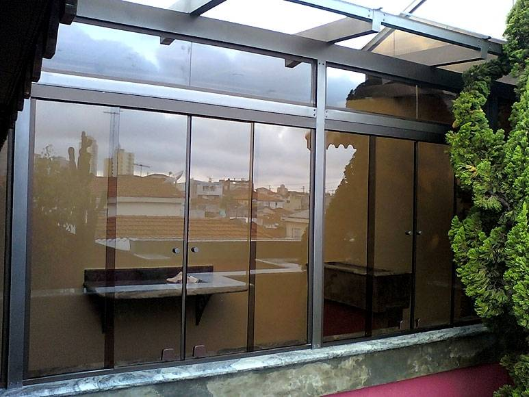 Janela Basculante de Vidro no Morumbi - Vidro Serigrafado
