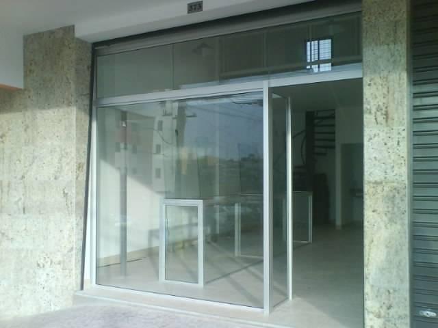 Loja de Vitrine de Vidro na Cidade Tiradentes - Vitrine de Vidro para Loja de Roupas