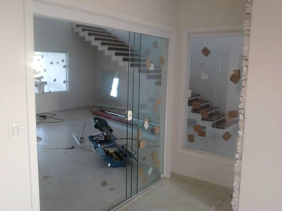 Porta de Correr Vidro Valor em José Bonifácio - Porta de Vidro Eletrônica
