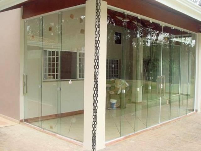 Porta de Vidro Articulada no Jardim Paulistano - Porta de Vidro Espelhado