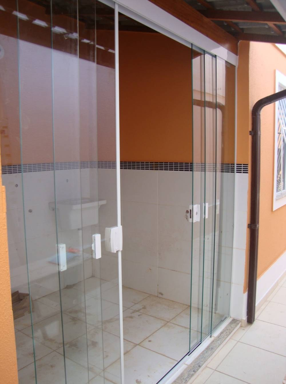 Porta de Vidro com Fechadura Preço na Cidade Tiradentes - Porta de Vidro de Correr
