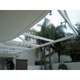 Cobertura de vidro com ventilação em Aricanduva