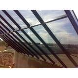 Cobertura de vidro laminado no Campo Belo
