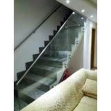 Guarda-corpo de vidro para escada na Cidade Tiradentes