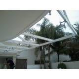 Loja de cobertura de vidro retrátil no Parque São Lucas