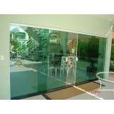 Loja de porta de vidro jateado para quarto no Parque do Carmo